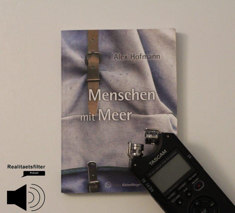 Podcast-Cover: Das Buch Menschen mit Meer und mein Aufnahmegerät